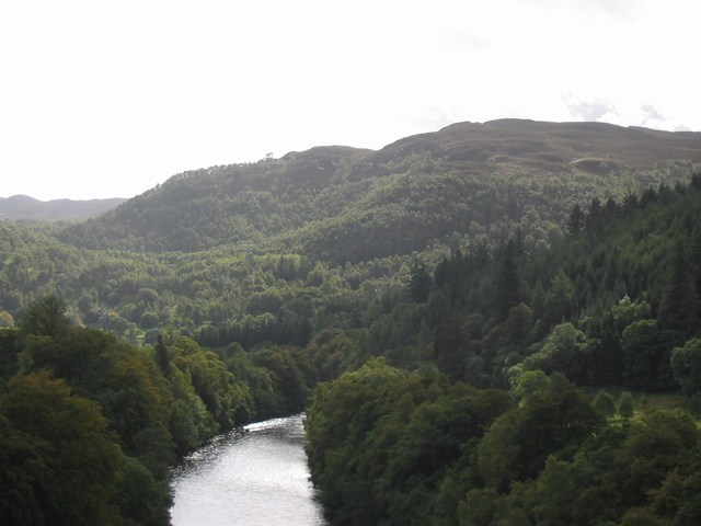 Scotland: Some fisherman in the valley