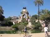 Spain: Me in front of the fountain again